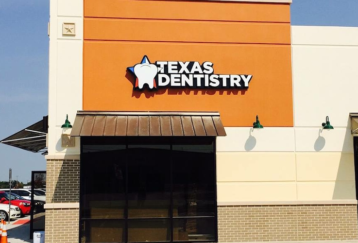 Outisde office view of Texas Dentistry in Kaufman